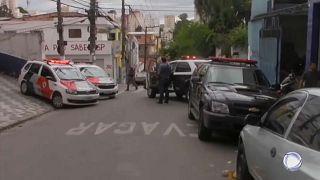 """فيديو: مقتل تسعة أشخاص بسبب """"الذعر من الشرطة"""" في البرازيل"""