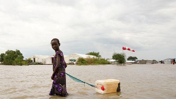 Güney Sudan'da sel felaketi nedeniyle yüz binlerce kişi evlerinden oldu