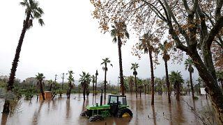 Halottak a francia árvíz nyomában