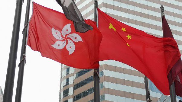 Hong Kong 15 sene sonra bütçe açığı verdi, yatırımcılar Tayvan'a kaçıyor