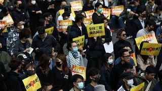 الصين تعلق رسو السفن الحربية الأمريكية رداً على دعم متظاهري هونغ كونغ