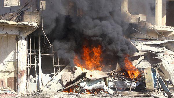 المرصد السوري: مقتل 15 مدنياً في غارات لقوات النظام السوري على إدلب
