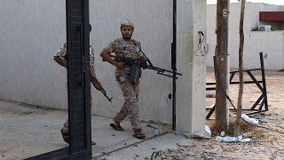 مقتل خمسة مدنيين في قصف جوي جنوب العاصمة الليبية طرابلس