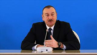 Azerbaycan hükümeti erken seçim için Cumhurbaşkanı Aliyev'e başvurdu
