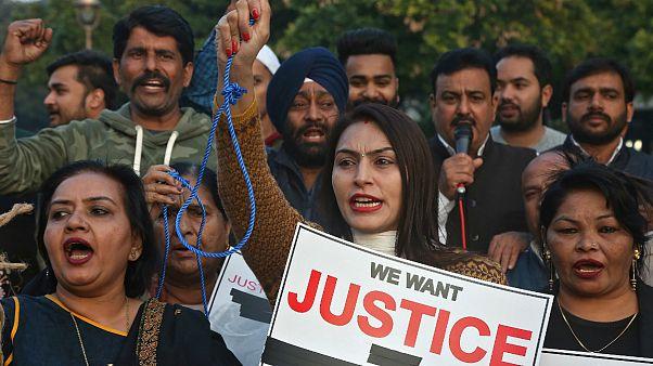هند؛ تجاوز جمعی و قتل یک زن جوان صدها تن را به خیابان کشاند