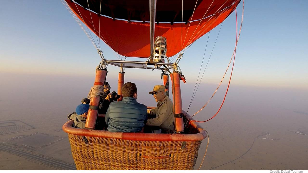 Balloon trip gives passengers a real bird's eye view of the desert
