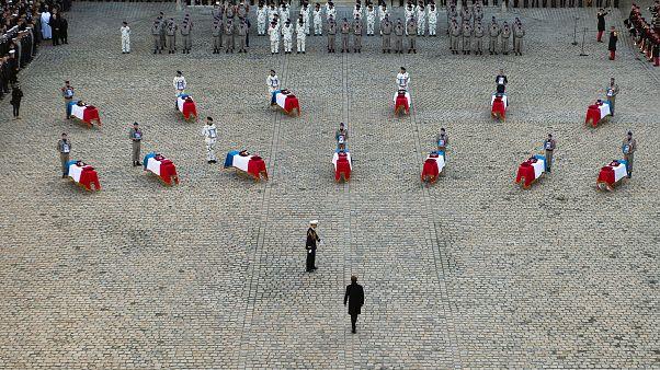 Paris: Trauerfeier für 13 in Mali getötete Soldaten