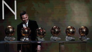 لیونل مسی برای ششمین بار برندهٔ توپ طلا شد