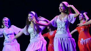 شاهد: مشروع طلابي لإحياء فنون الرقص الشعبي في مصر