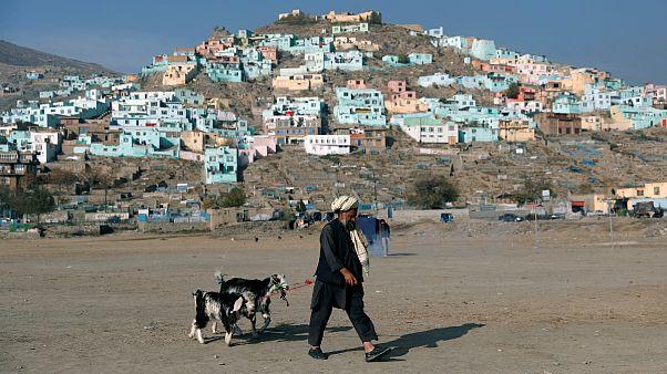 نظرسنجی بنیاد آسیا: افزایش نگرانی از امنیت شخصی و امید به صلح با طالبان در افغانستان