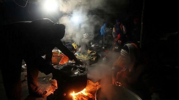 پناهجویان اردوگاه ووچیاک بوسنی با مرگ دست و پنجه نرم میکنند