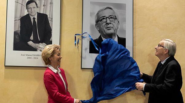 Jean-Claude Juncker portrait unveiled as he hands over to Ursula von der Leyen