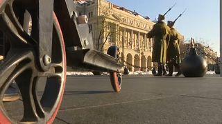 Csütörtöktől tilos a Kossuth téren rollerezni
