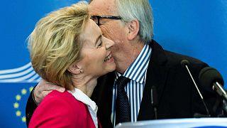 Ursula von der Leyen et Jean-Claude Juncker à Bruxelles, le 3 décembre 2019.