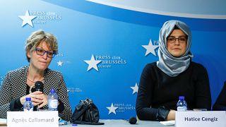 آنییس کالامار، بازرس ویژه سازمان ملل در کنار خدیجه چنگیز، نامزد جمال خاشقجی