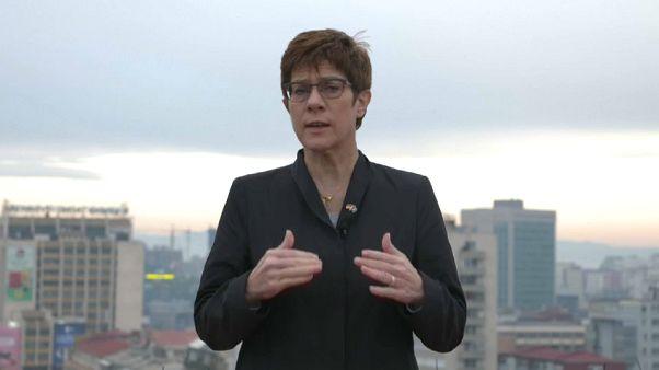 Annegret Kramp-Karrenbauer will untersuchen lassen, wie systematisch Rechtsextremismus in der Bundeswehr verbreitet ist.
