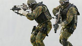 Forças especiais alemãs investigadas por neonazismo
