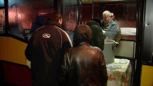 Minden hajléktalannak jut egy kis melegség a lengyel buszon