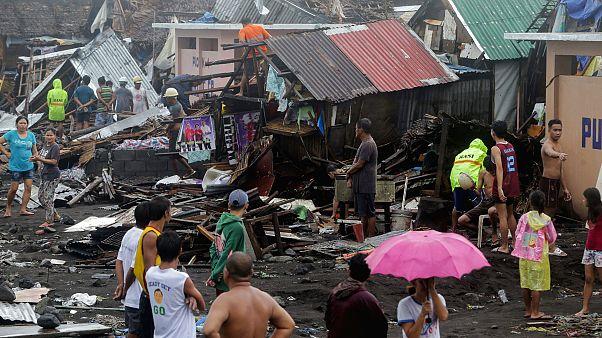 Filipinler'de etkili olan Kammuri Tayfunu nedeniyle ölenlerin sayısı 17'ye yükseldi