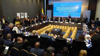Amerika kıtasındaki 15 ülkeden Venezuela lideri Maduro ve müttefiklerine seyahat yasağı