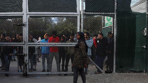 Προβληματισμός για τα κλειστά κέντρα υποδοχής προσφύγων στην Ελλάδα