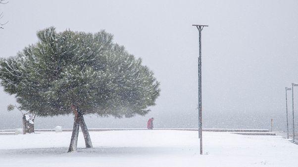 Στα λευκά η Βόρεια Ελλάδα - Χιόνια σε Πήλιο και Τρίκαλα