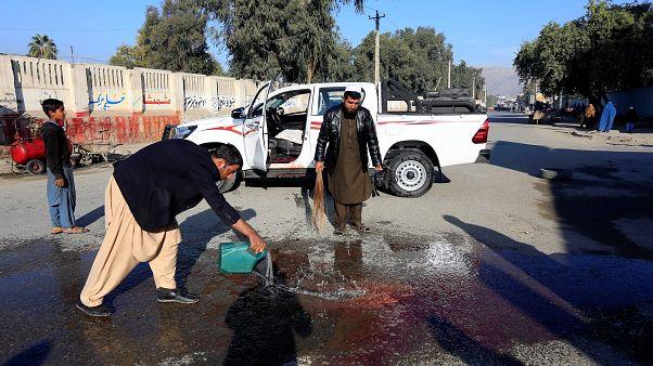 مقتل طبيب ياباني وخمسة آخرين بهجوم استهدف سيارته في جلال أباد في أفغانستان