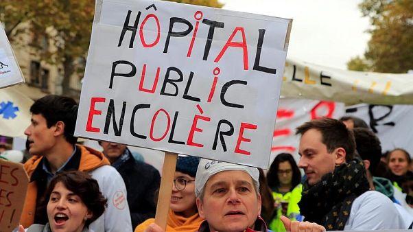 صدها پزشک فرانسوی دولت ماکرون را تهدید به استعفاء دستهجمعی کردند