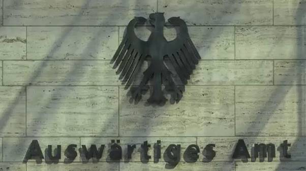 Kiutasítottak két orosz diplomatát Németországból