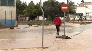 Centenas de evacuados por inundações no sudeste de Espanha
