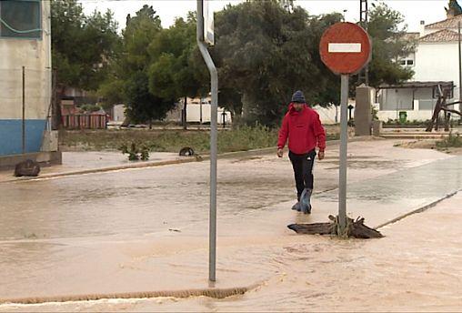 Cientos de desalojados por las inundaciones en Murcia, en el sureste de España