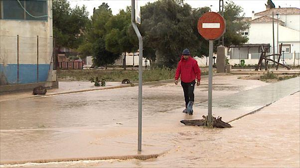 جاری شدن سیل در شرق اسپانیا همزمان با اجلاس تغییرات آب و هوایی