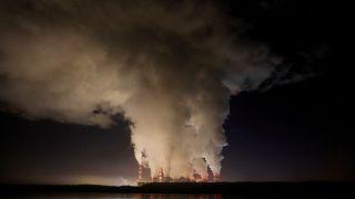 La centrale à charbon de Belchatow en Pologne est la plus grande d'Europe et participe aux émissions de CO2