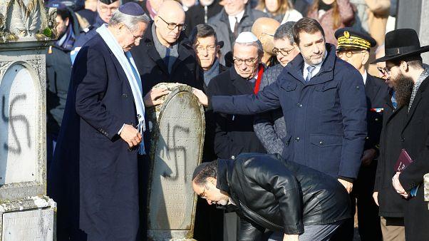 Fransa: Meclis Siyonizm karşıtlığını Yahudi düşmanlığı olarak saydı; Yahudi mezarlarına saldırıldı