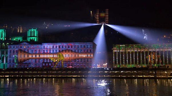 Lyon fête ses lumières malgré le froid et le climat social