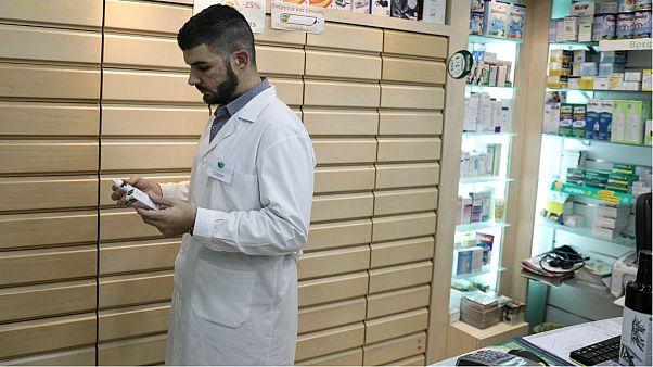 ادامه تلفات ویروس آنفولانزا در ایران؛ دارو به درد گرانی دچار شد