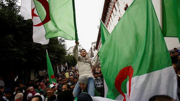 استئناف أول محاكمة بتهمة الفساد لمسؤولين سابقين في الجزائر