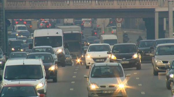 Setor automóvel tem de reduzir emissões de CO2