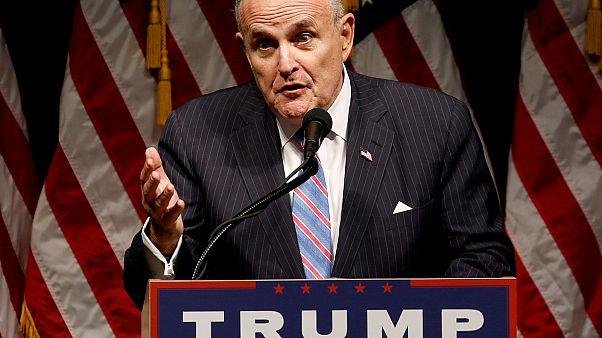 Rudy Giuliani egy Trumpot támogató kampánygyűlésen 2016-ban