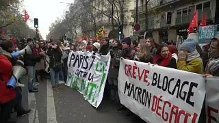 Франция бастует до понедельника