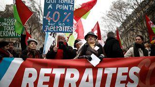 Nuove date, nuove mobilitazioni. In Francia la protesta non va in pensione