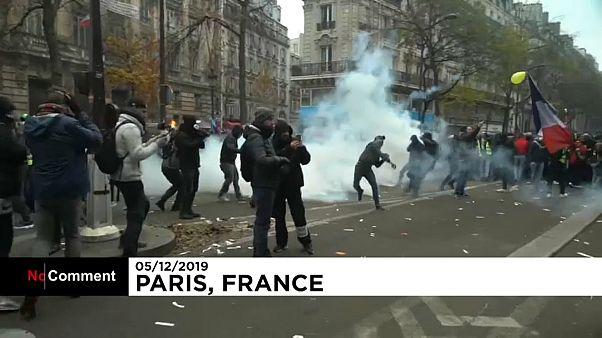 Франция бастует из-за пенсионной реформы