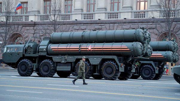 Rusya'nın başkenti Moskova'da zafer bayramı geçit töreninde yer alan S-400 hava savunma sistemi