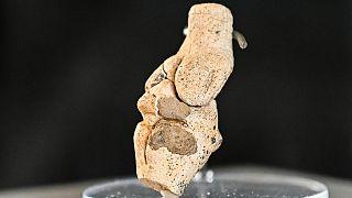 Fransa'nın Amiens kentinde arkeologlar tarafından bulunan Venüs heykeli