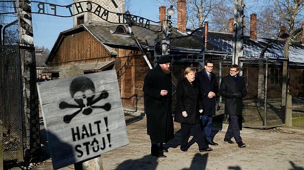 نخستین سفر آنگلا مرکل در ردای رهبر آلمان به اردوگاه آشویتس