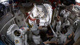 """Astronaut an Bord der ISS: """"Wir recyceln unseren Urin"""""""