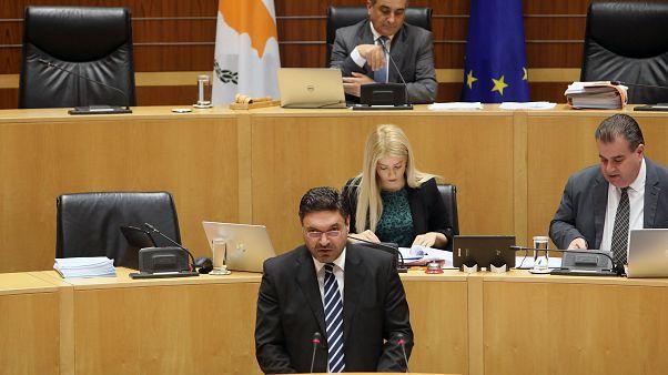 Επίσημη πρώτη του νέου ΥΠΟΙΚ της Κύπρου με τον Κρατικό Προϋπολογισμό