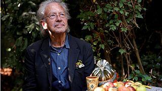 تحریم مراسم نوبل در اعتراض به اهدای جایزه ادبیات به پیتر هاندکه