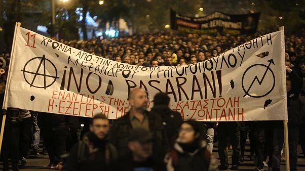 Πορεία μνήμης στους κεντρικούς δρόμους της Αθήνας, για τα 11 χρόνια από τη δολοφονία του Αλέξη Γρηγορόπουλου