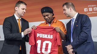 Ronaldinhóval a fedélzeten startolt a budapesti teqball-világbajnokság
